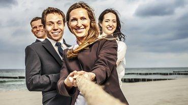 Gleichstellung Zusammenhalt Team an einem Strang