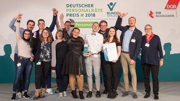 Erst unbezahlt und wütend, jetzt mit Tarifvertrag und preisgekrönt: Die Arbeitsgemeinschaft der Jugend- und Auszubildendenvertretungen der Unikliniken in Nordrhein-Westfalen.
