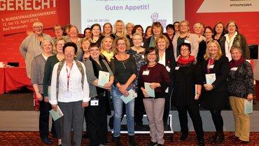 Bundesfrauenkonferenz 2019 Plenum Delegierte Gruppenbild Abschluss