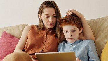 Frau Familie Homeschooling Corona Sorgearbeit
